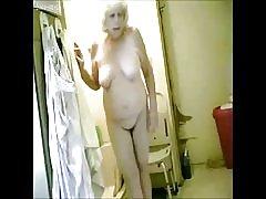 Wielki! szpiegostwo moje gorące babcie w łazience